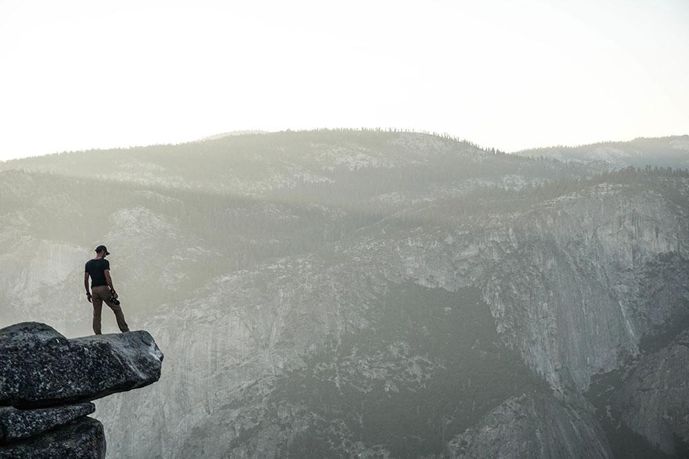 El monte de Dios y los montes del adversario